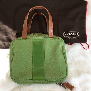 🆕Coach Signature Zip Around Travel Bag